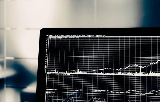 Millennial, voltea hacia la inversión en bolsa