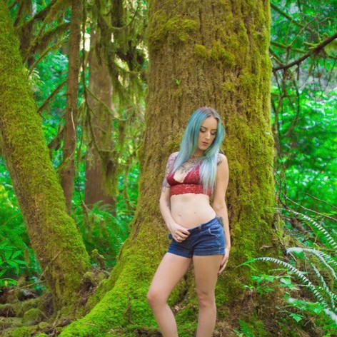 Model, Makeup & Styling - Carolyn Corrigal Photography, Edits & Copyright @ Just Sick
