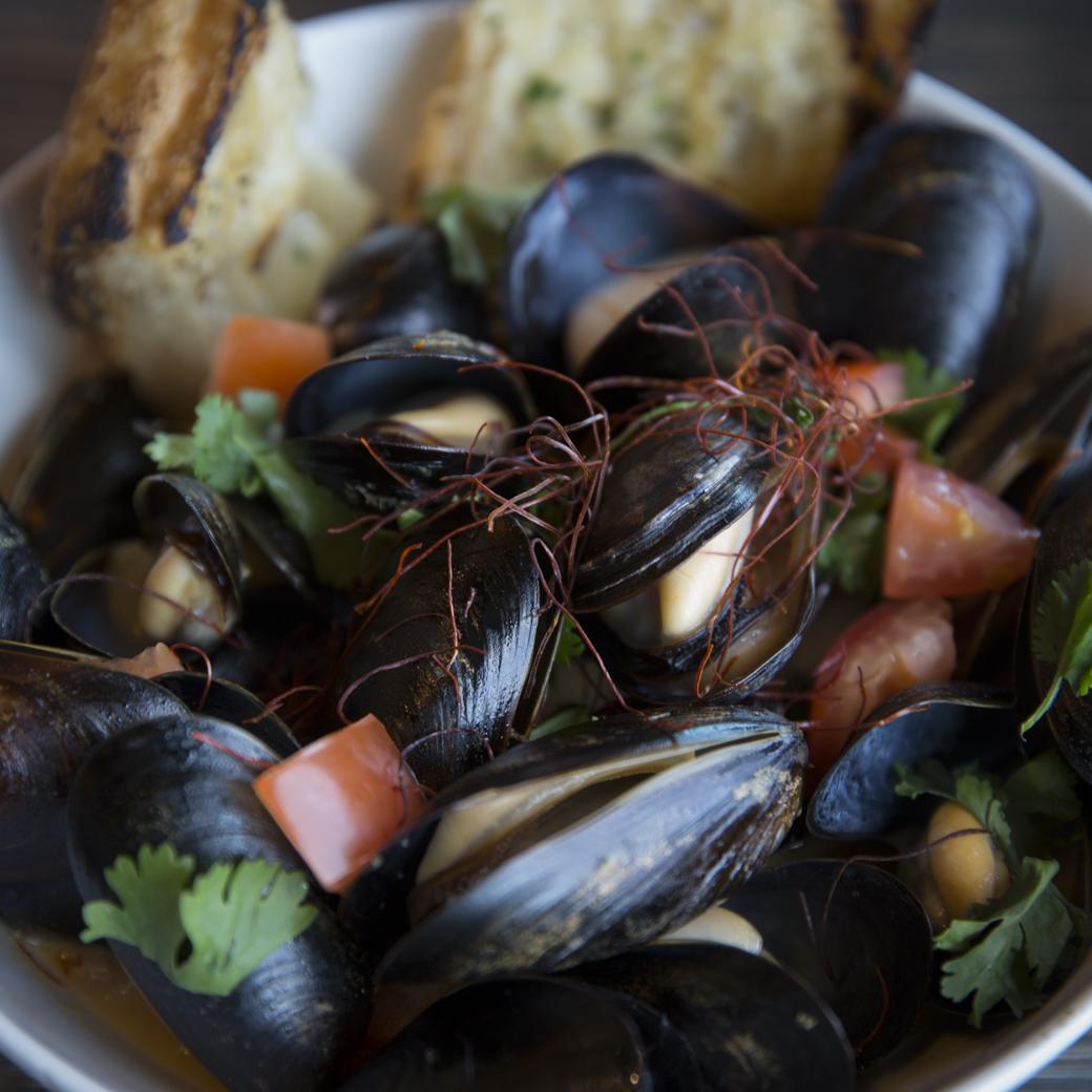 Tom Yum Mussels
