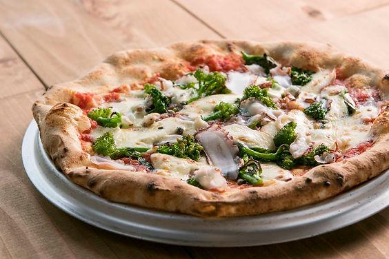 ピッツァ|地元の野菜と「瀬戸内のたこ」
