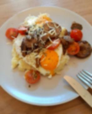 Knolselderpuree met champignons, tomaat