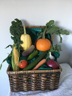1st Place Artistic Vegetable Display - Mary Cannon