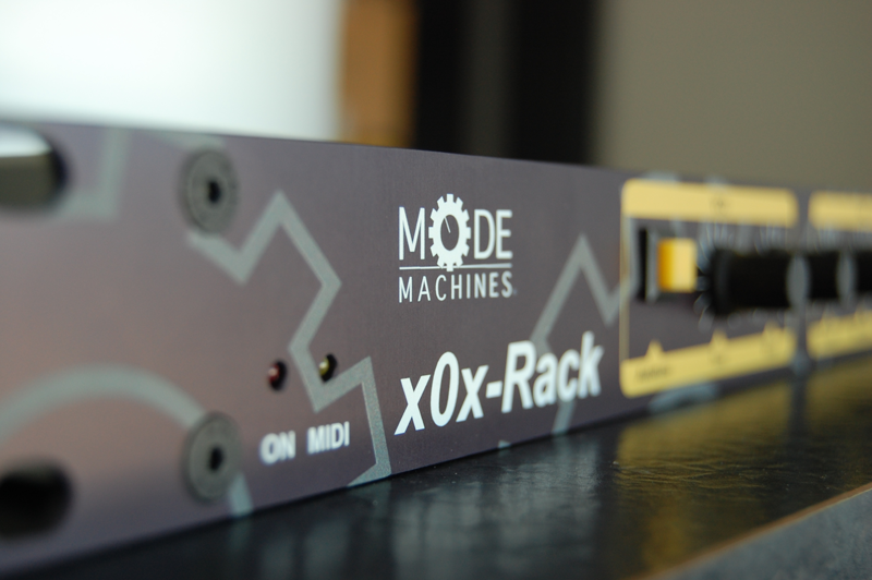 x0x-Rack_front_view