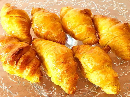 Mini croissants de mantequilla bandeja 12 uds.