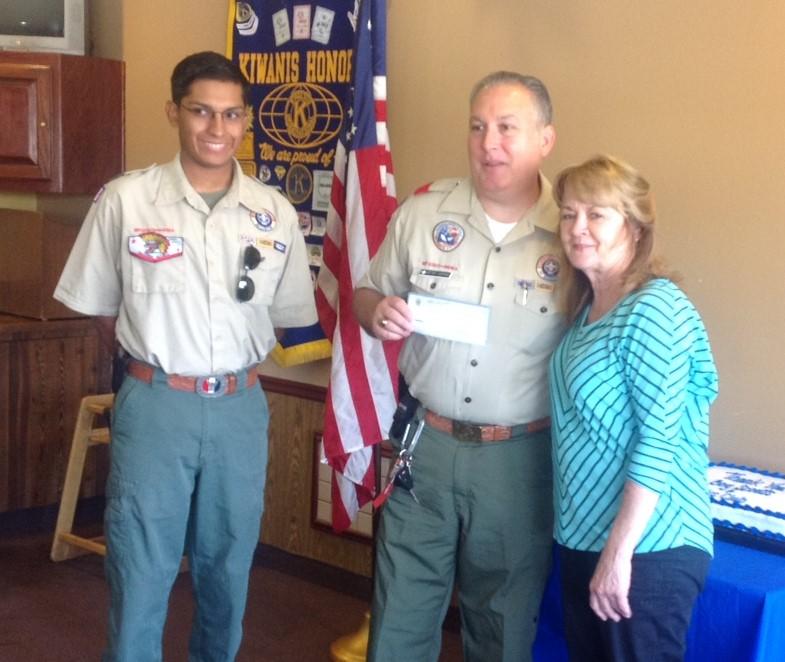 Boy Scout families help Kiwanis