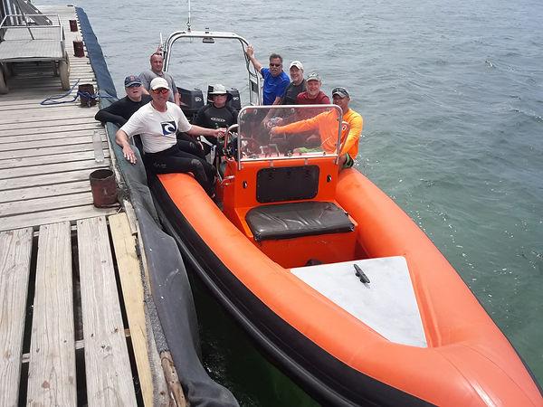 Dive ChterCurcao's 25 ft Dive Boat