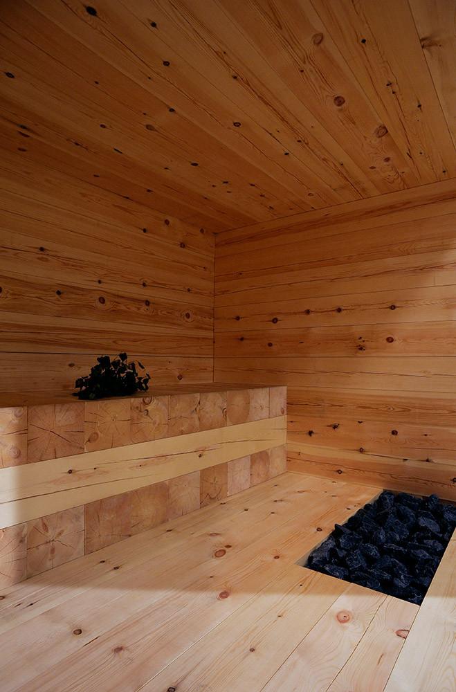 Отделка парилки в бане из термососны
