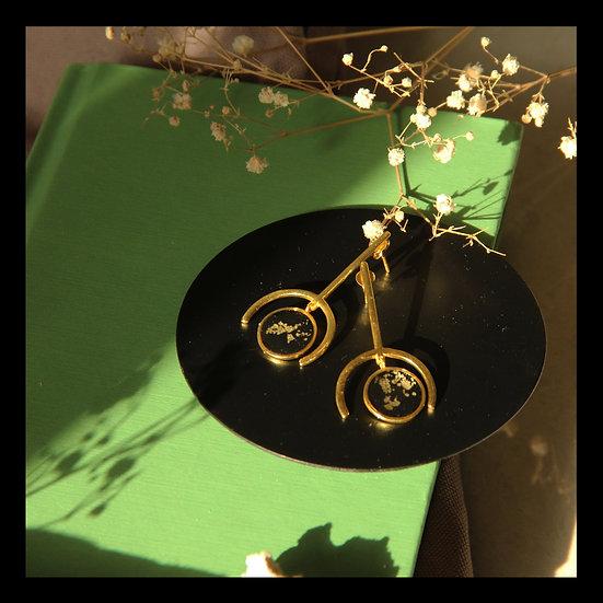 Pendulum Yellow
