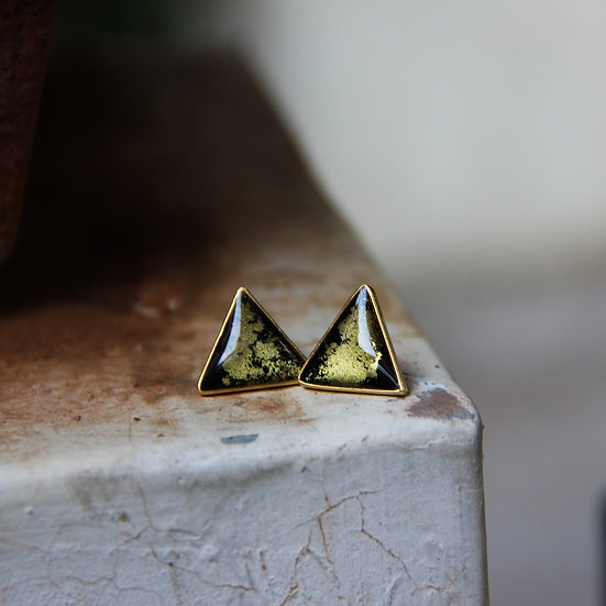 Equilateral Yellow