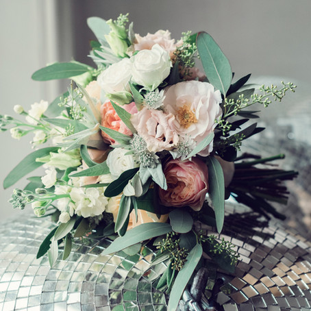 How To Figure Out Your Floral Style For Your Wedding Day.