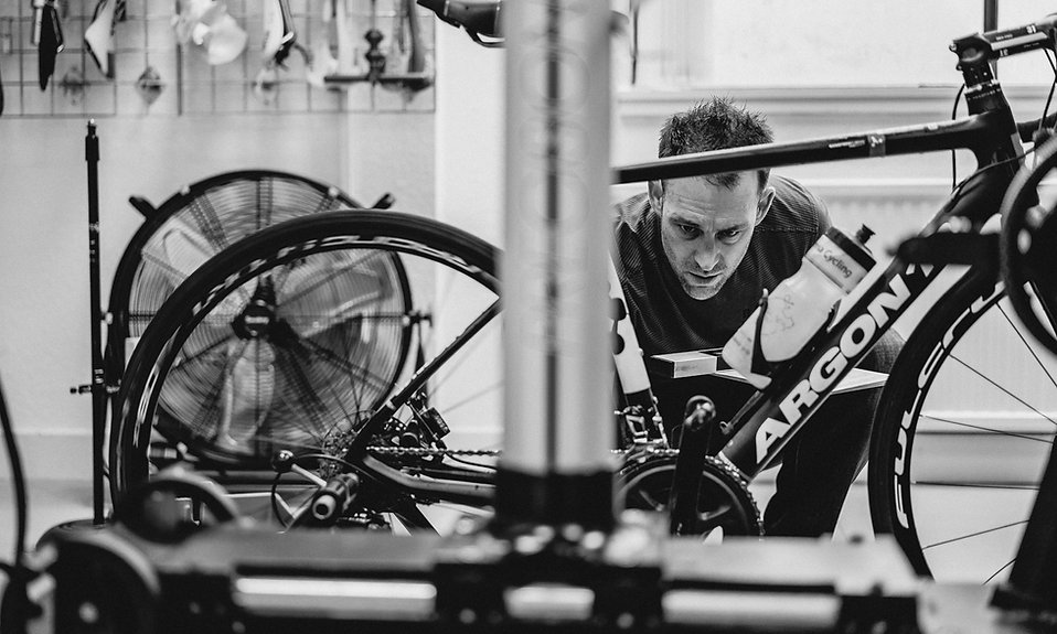 A fully comprehensive bikefit ensures optimisation of all contact points on the bike. Saddle height, saddle setback, reach to bars, insoles, wedging, shimming take care optimal foot correction.