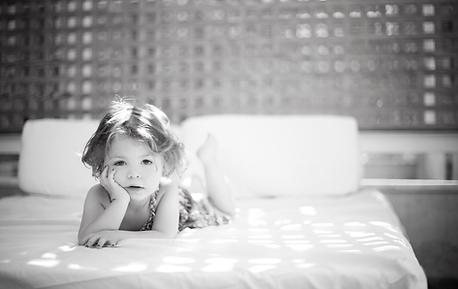 Niño en la cama