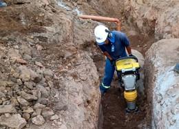Início da obra de construção de rede de esgoto em Cachoeira do Campo