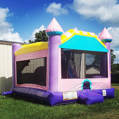 Dazzling Bouncy House with Basketball G