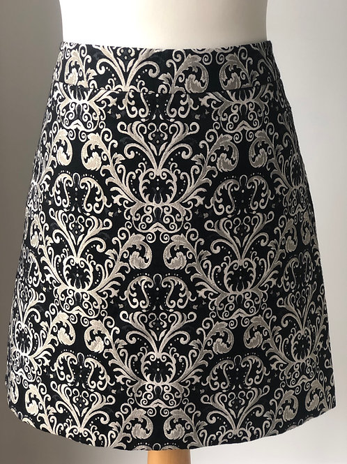 Patterned mini skirt