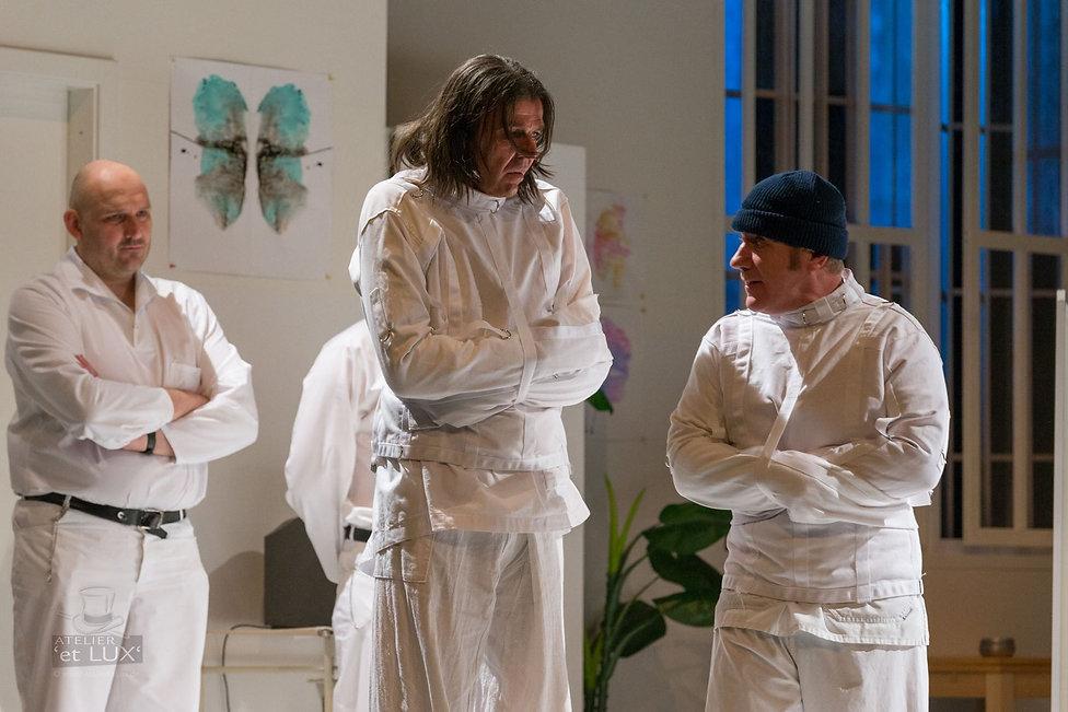 Peter Theiss und Jörg Schüttauf in Einer flog über das Kuckucksnest in Dieter Hallervordens Schlossparktheater
