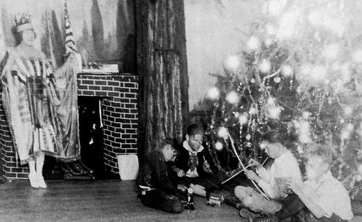 weird-1920s-christmas-ghost-boys-toys_1_