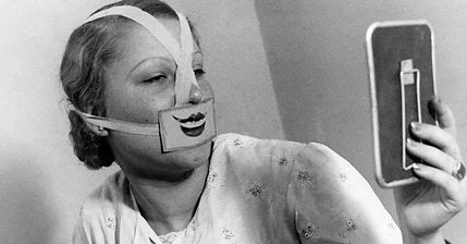 smile-therapy-1930s-865x452.jpg