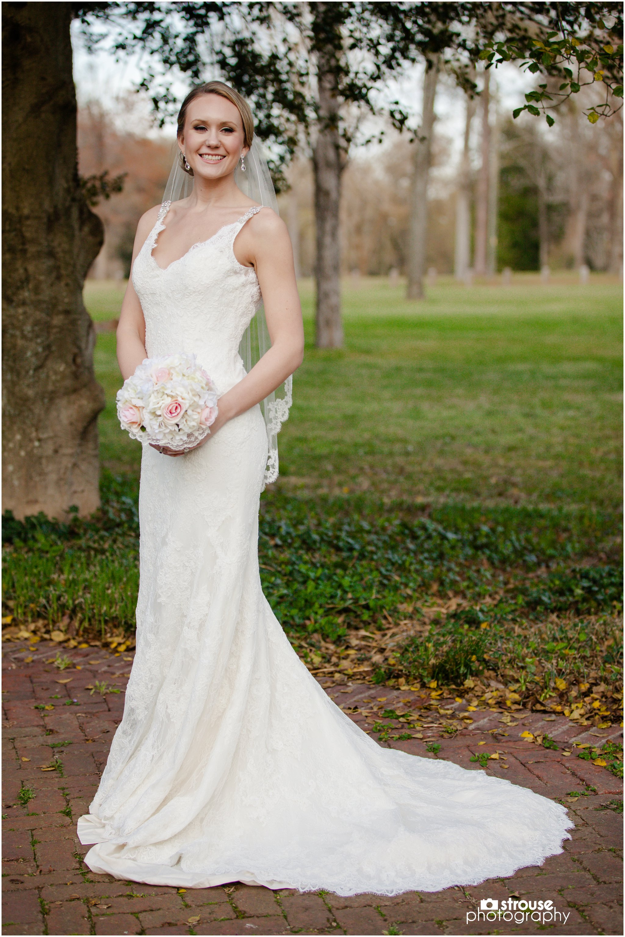 Jessica Bridal Portraits at Dogwood