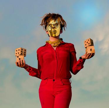 gold mask dice desert.jpg
