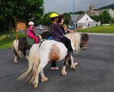 balade à poney aux estables, sans la station de sports pleine nature et de ski