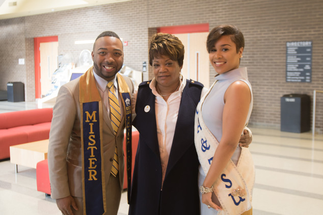 Advisor Sharon Hoard and Mister & Miss A&T 2017-18
