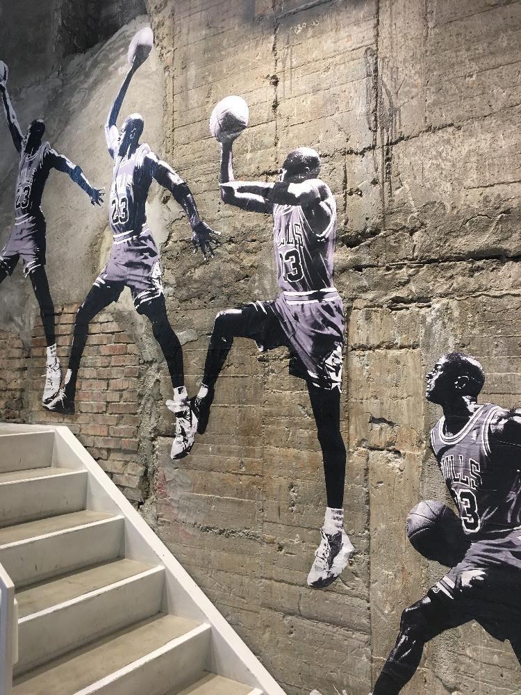 Murale-raffigurante-Michael-Jordan