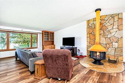 09-Living Room.jpg