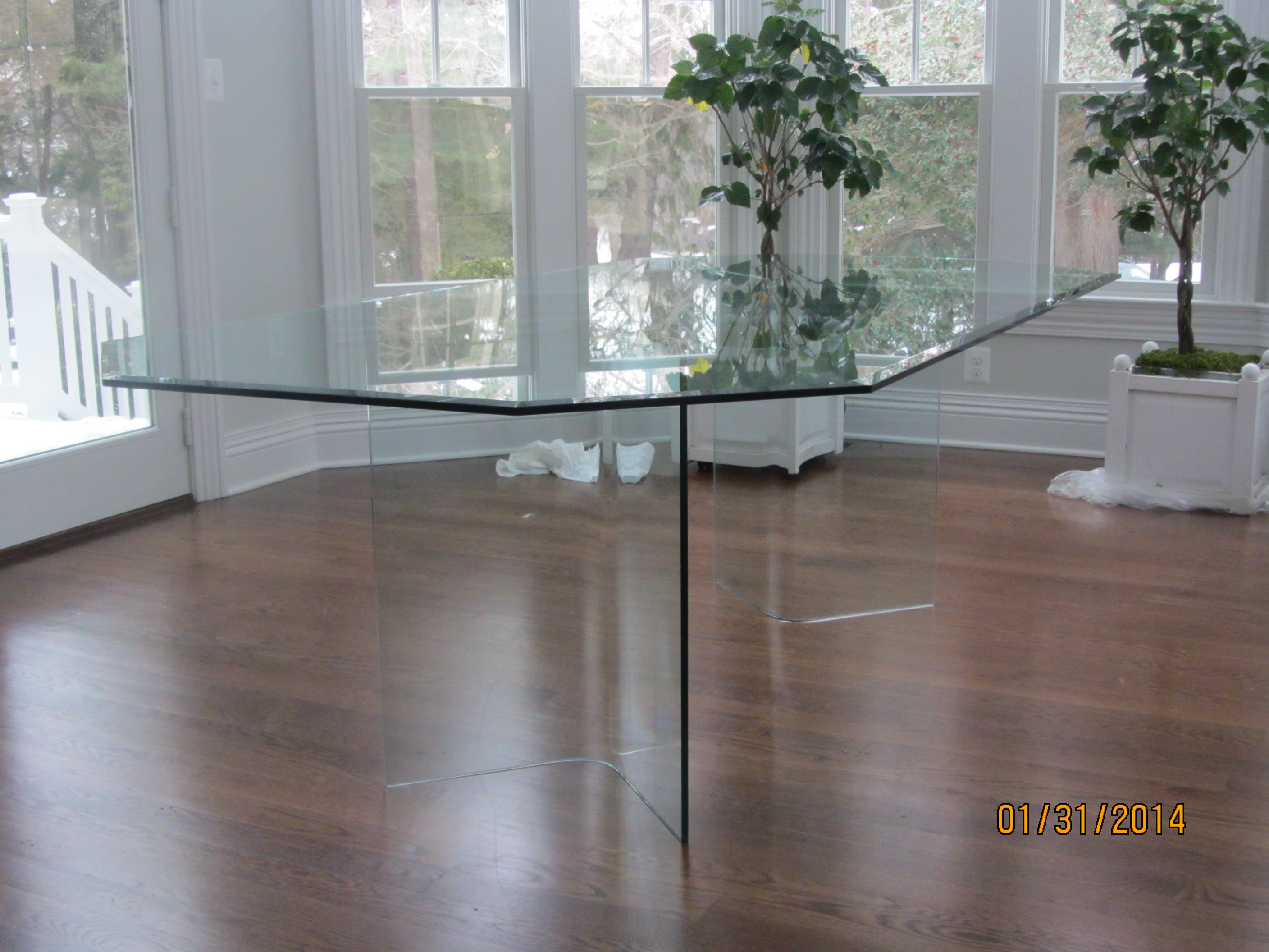 all_glass_table3.JPG