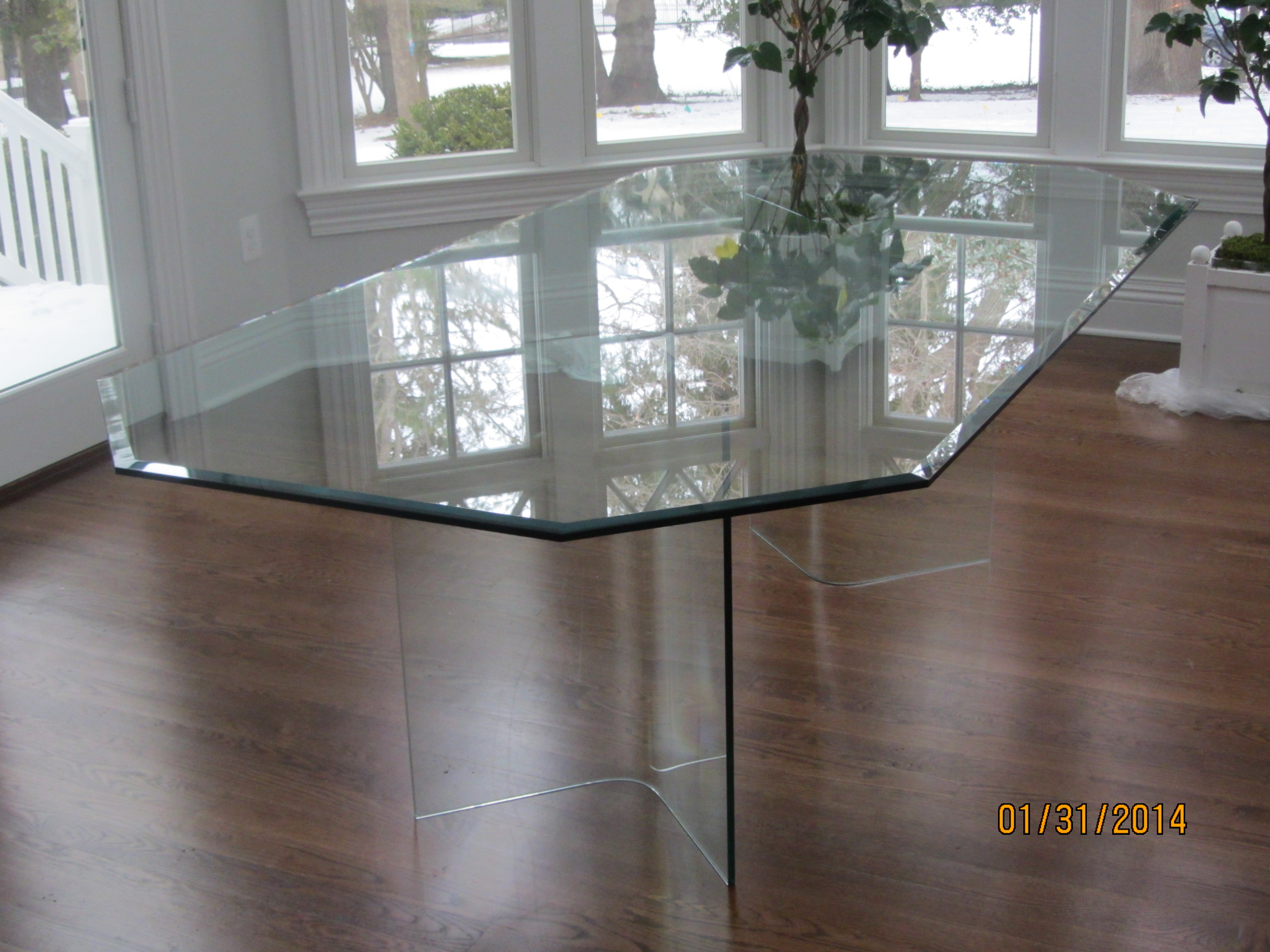 all_glass_table1.JPG