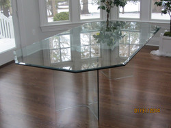 all_glass_table1.JPG