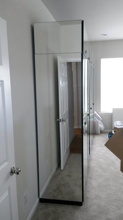mirror closet 2.jpg