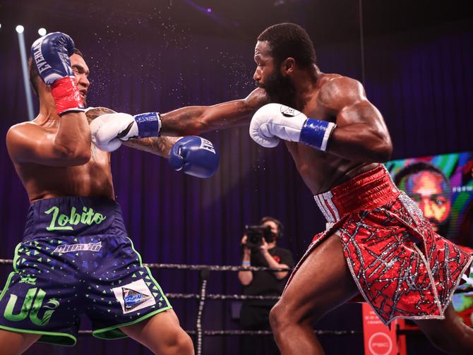 Broner Defeats Santiago in Return