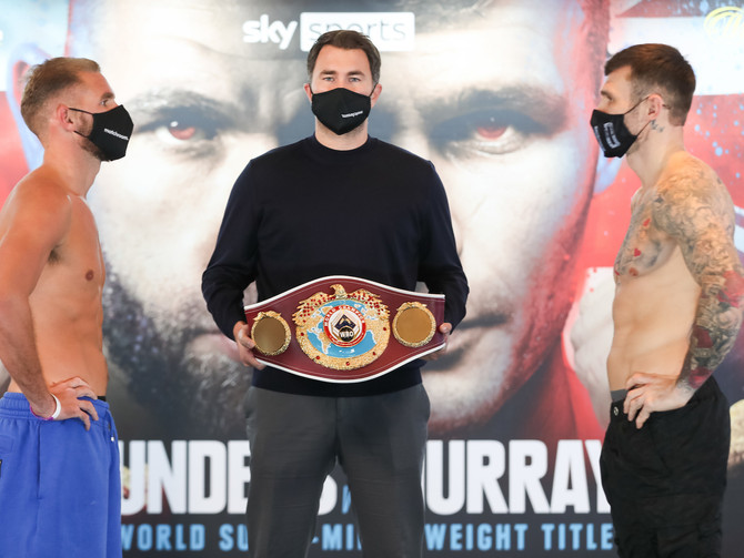 Weights From England: Saunders and Murray Make Weight