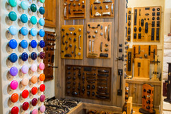 Texas_Finial_Hardware_Kerrville_colorful_cabinet_knobs_showroom