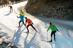 Cross-country-skiing-627123