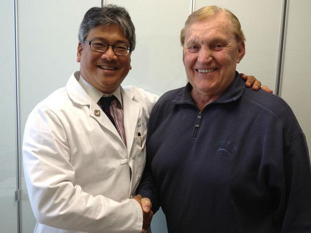 Hall of Fame Oakland Raider Great - Jim Otto Visits Dr. Diao