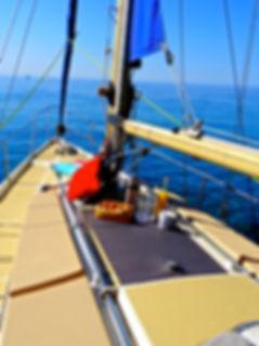 croisières-voilier-apéro-sunset-baignade-petit déjeuner-Bandol-Var-Côte-d'azur-pirat-croisières-rouveau-embiez-bendor-sous-marin-calanque