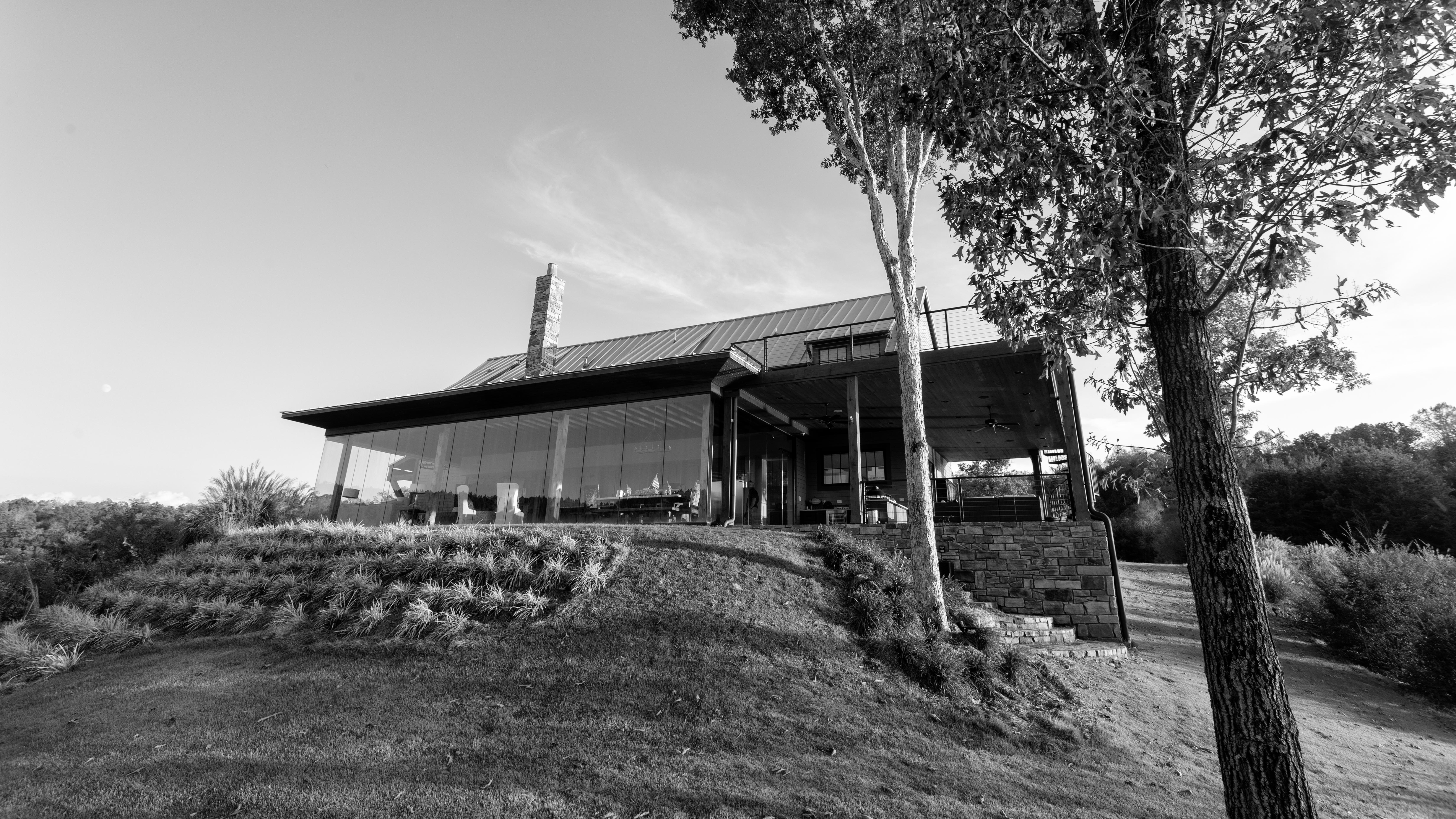 barn smith lake exteriors one bw (1 of 5