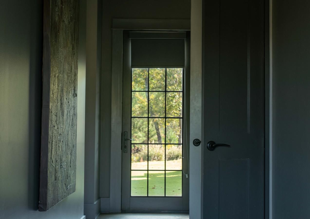 glass house interiors (10 of 18).jpg