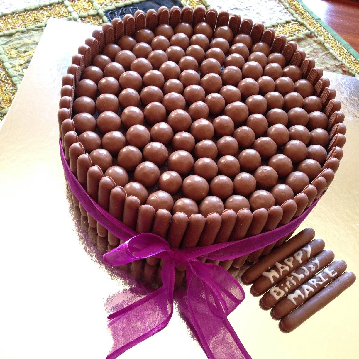 Chocolate BonBon Cakes