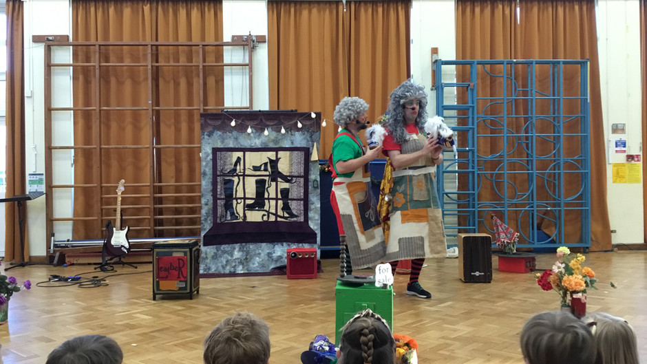 The Elves and the Shoemaker - Tree House Theatre Pantomime