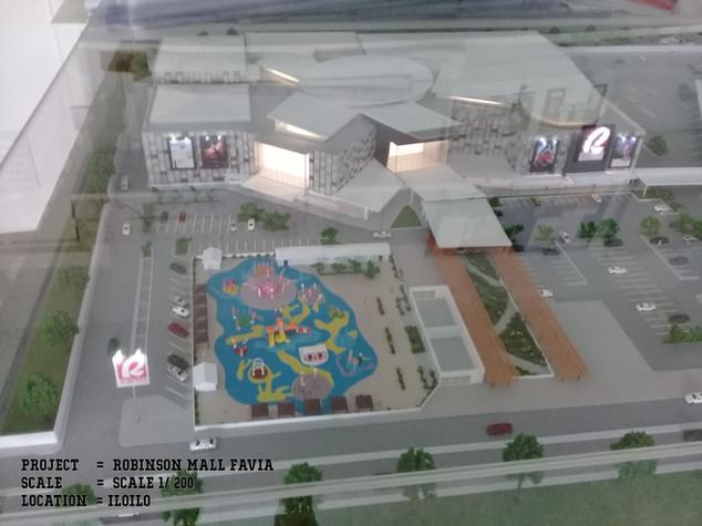 Robinson Mall Favia