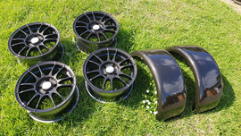 guards and wheels - carbon fibre 4.jpg