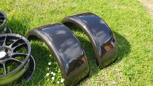guards and wheels - carbon fibre 2.jpg