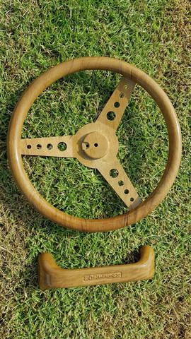 steeringwheel wooden.jpg
