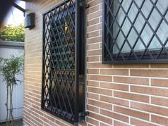 ダブルガラスルーバー窓カバー工法工事
