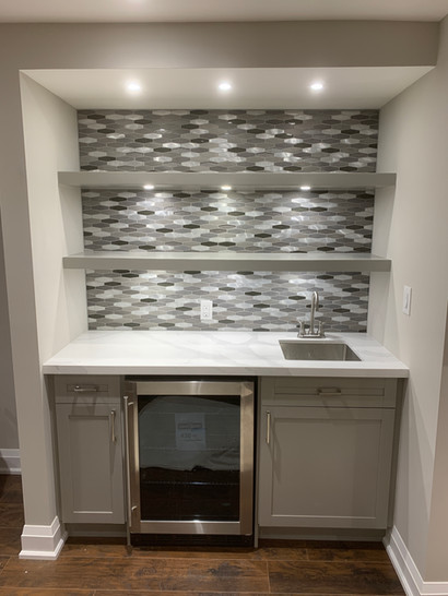 Built-in display and bar