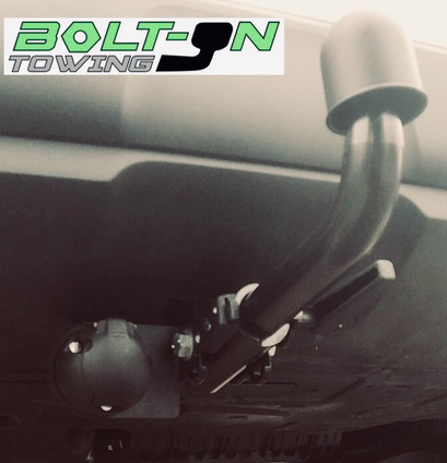 Horizontal detachable tow bar