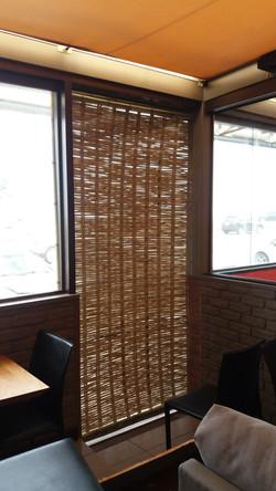 painel de bambu trançado